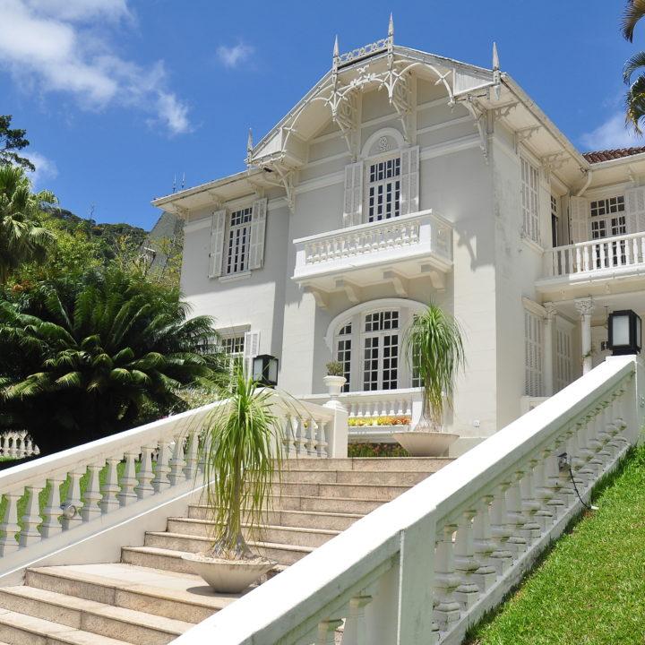 Mansão construída em 1920, Obra de arte arquitetônica na cidade do Rio de Janeiro